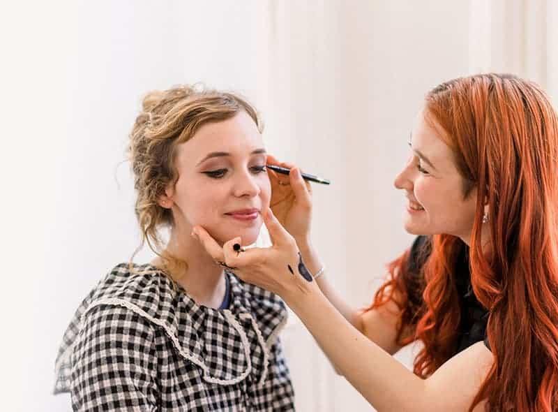 Makeup Artist Portfolio Page Style 13