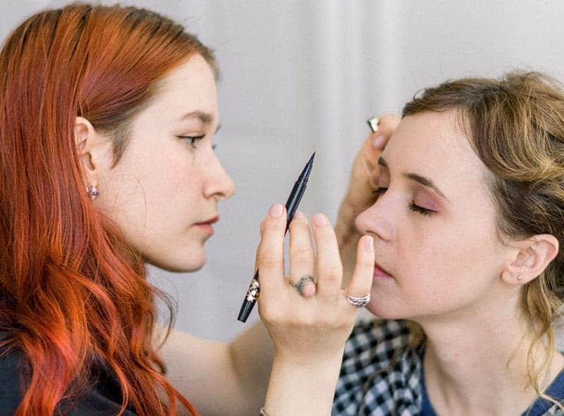 Makeup Artist Landing Page Style 6