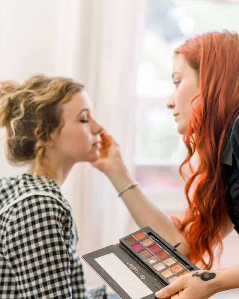 Makeup Artist About Page Style 2